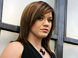 Kelly Clarkson (AP)