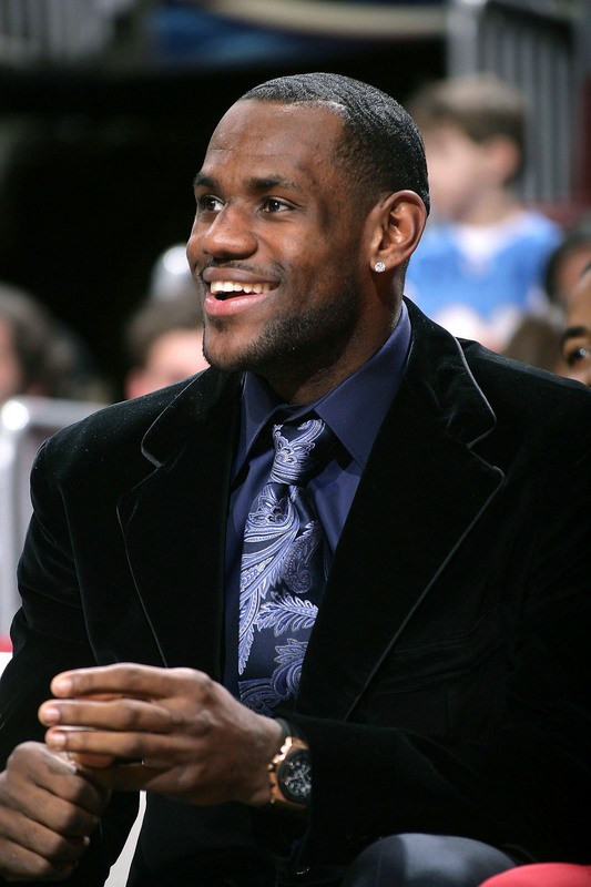 PHILADELPHIA - JANUARY 26:   LeBron James #23 of the Cleveland Cavaliers sits on the bench due to an injury, watching his teammates play against the Philadelphia 76ers on January 26, 2007 at the Wachovia Center in Philadelphia, Pennsylvania. NOTE TO USER: User expressly acknowledges and agrees that, by downloading and or using this Photograph, user is consenting to the terms and conditions of the Getty Images License Agreement. Mandatory Copyright Notice: Copyright 2007 NBAE (Photo by Jesse D. Garrabrant/NBAE via Getty Images)